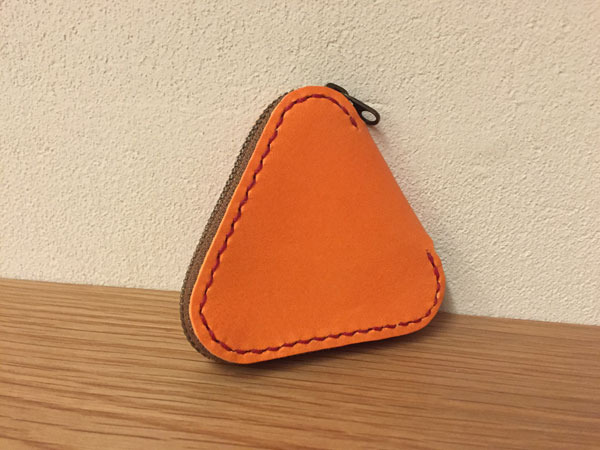 三角ファスナーコインケース.jpg